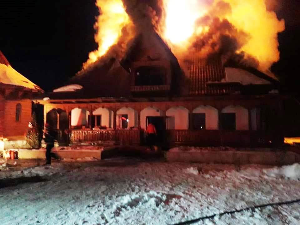 incendiu Mănăstirea Paltin de la Petru Vodă parvu